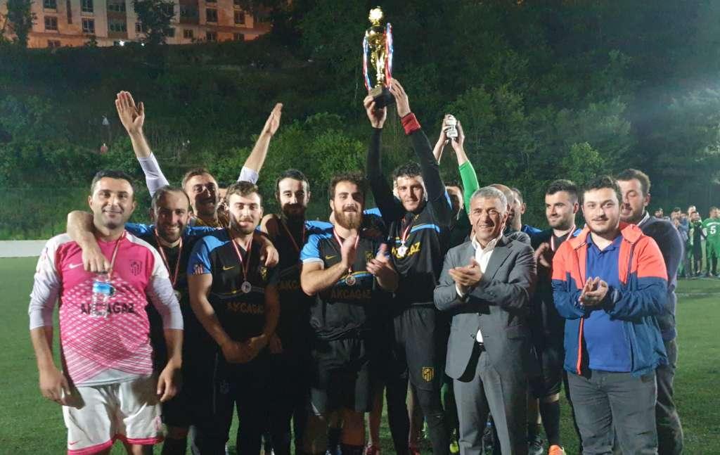 Çaykara Kaymakamlık Kupası Şampiyon Karaçamspor 10