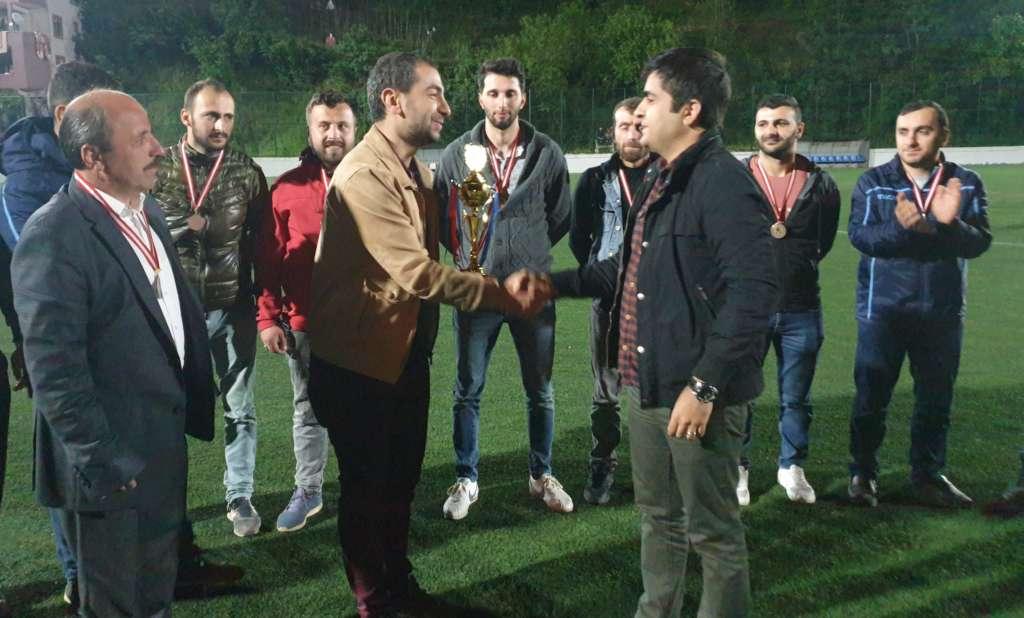 Çaykara Kaymakamlık Kupası Şampiyon Karaçamspor 13