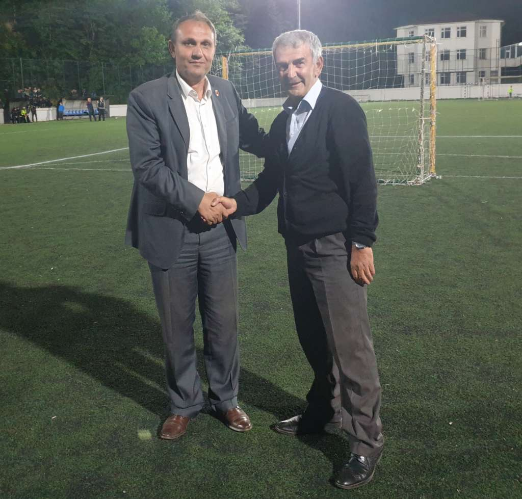 Çaykara Kaymakamlık Kupası Şampiyon Karaçamspor 21