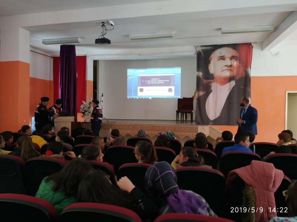 """Çaykara'da """"Trafik Haftası"""" çeşitli etkinliklerle kutlandı 13"""