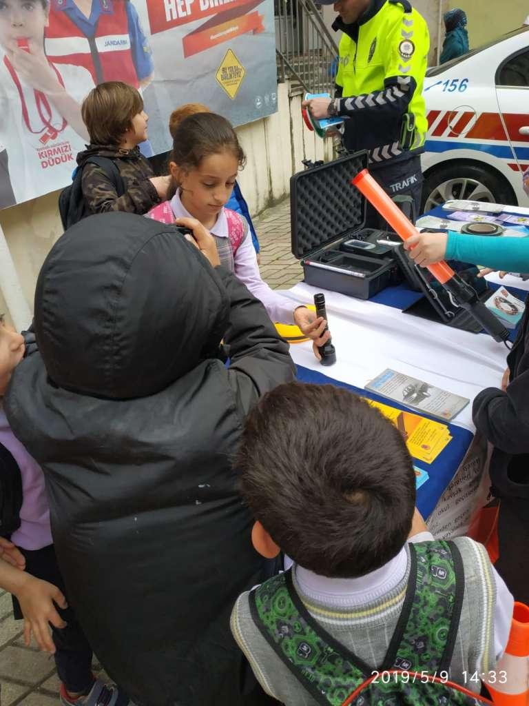 """Çaykara'da """"Trafik Haftası"""" çeşitli etkinliklerle kutlandı 18"""