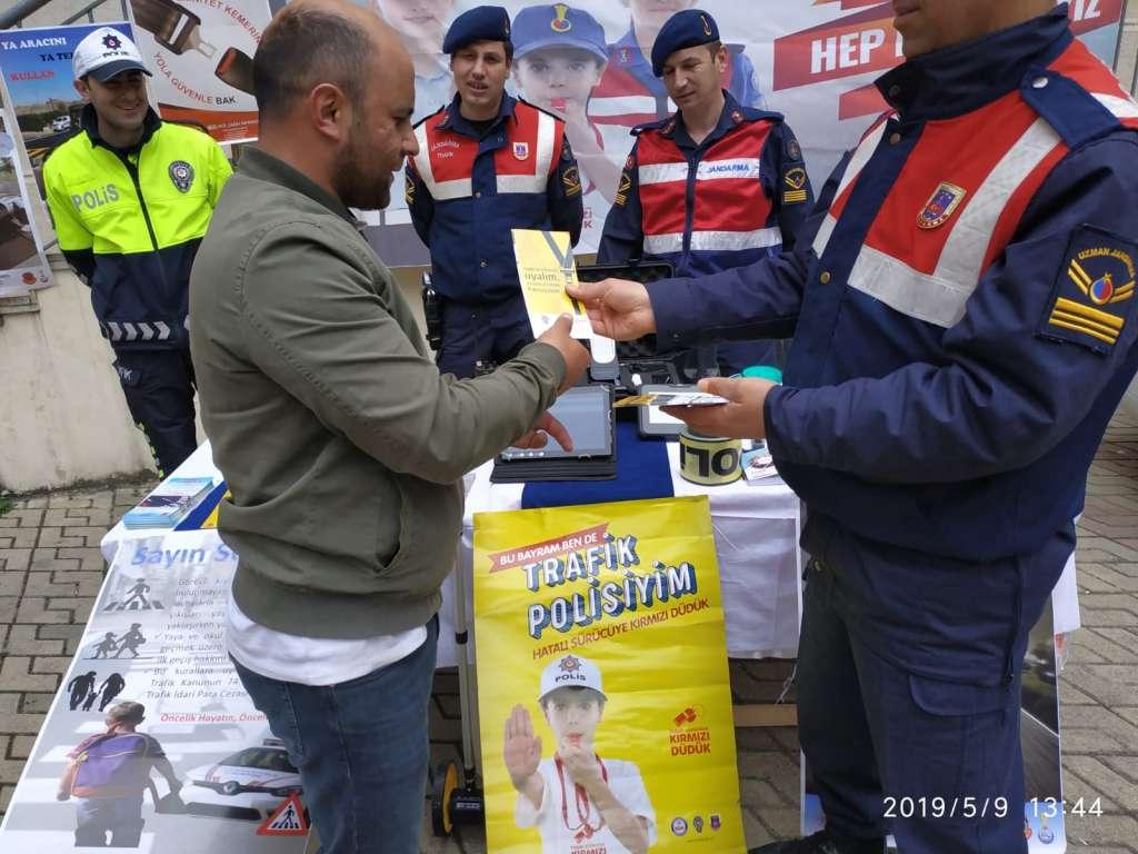 """Çaykara'da """"Trafik Haftası"""" çeşitli etkinliklerle kutlandı 17"""