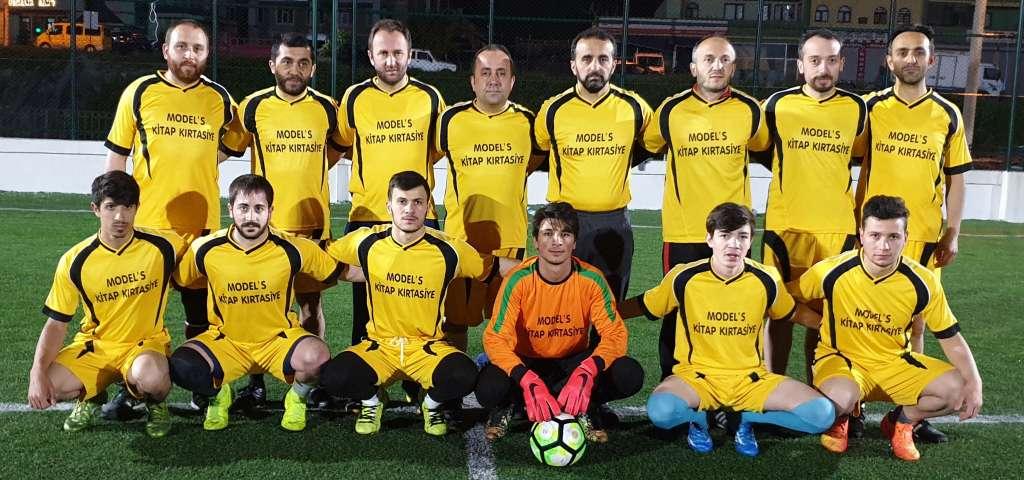 Çaykara Kaymakamlık Kupası grup maçlarında sona doğru geliniyor 2