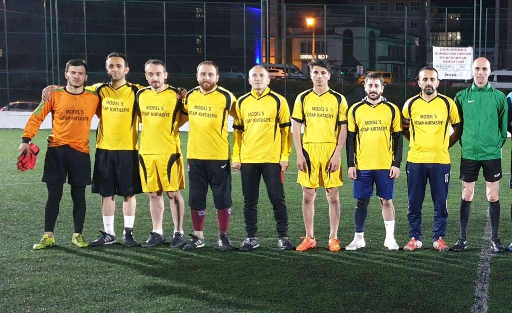 Yeşilalan Milli Gençlikspor ve Eğriderespor çeyrek finalde 6