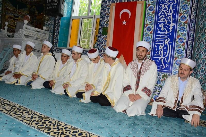 Hacı Ferşad Efendi Erkek Kur'an Kursunda 8 hafız icazet aldı 2
