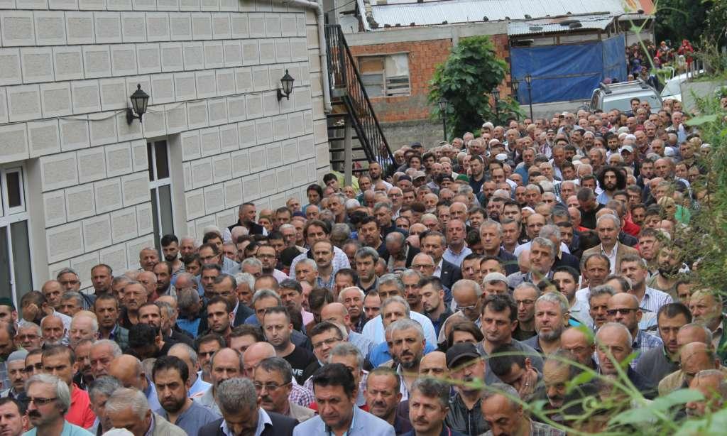 Mustafa Çakmak'ı binlerce kişi uğurladı 1