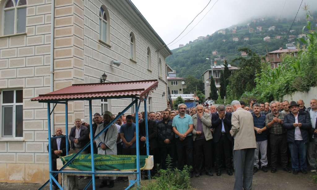 Mustafa Çakmak'ı binlerce kişi uğurladı 9