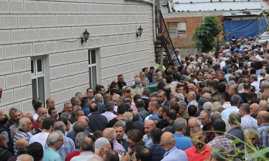 Mustafa Çakmak'ı binlerce kişi uğurladı 7