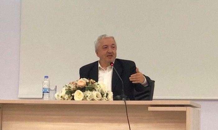 Prof Dr. Mehmet  Okuyan kuran'dan hayata konferans verecek