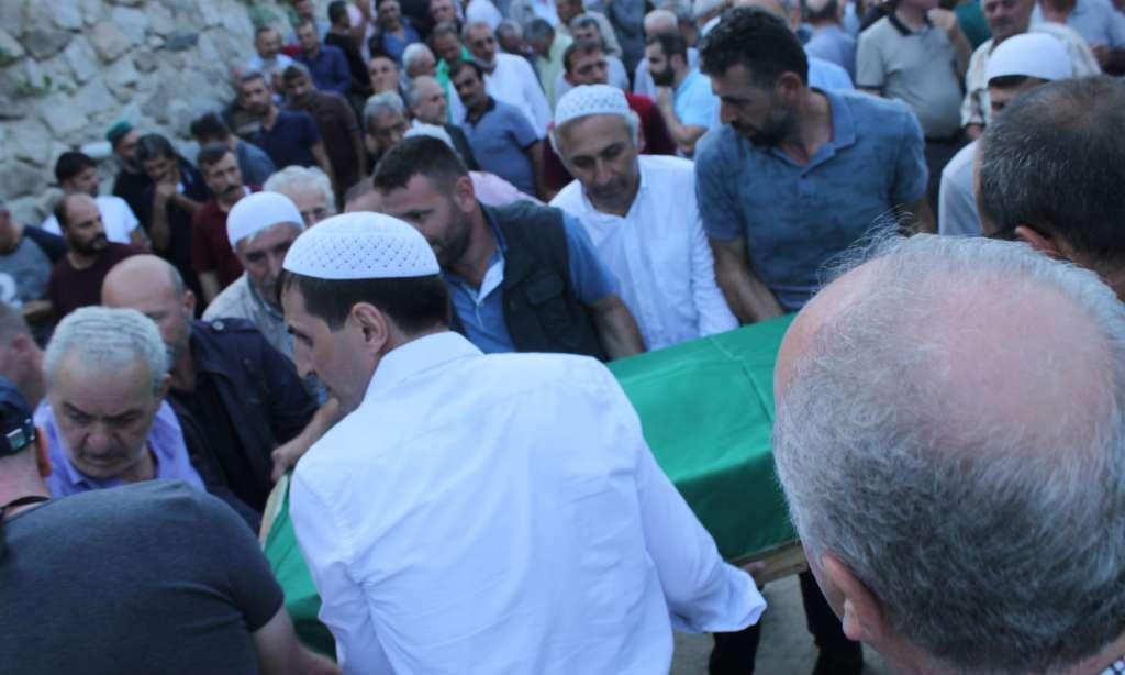 Seyfullah Kadıoğlu Köseli'de toprağa verildi. 8