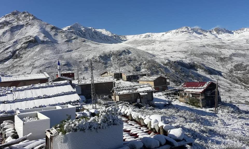Çaykara'nın yaylalarına yılın ilk karı düştü 9