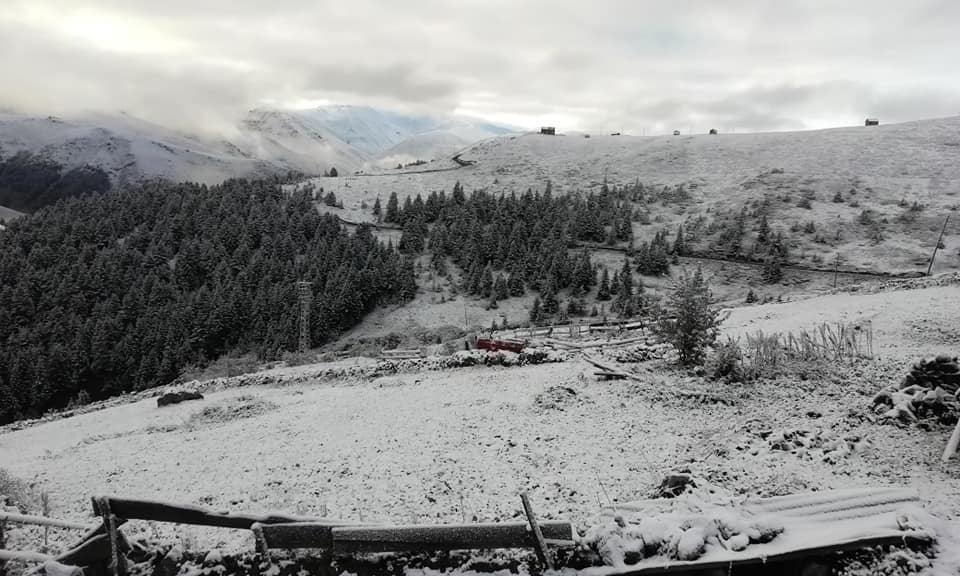 Çaykara'nın yaylalarına yılın ilk karı düştü 5