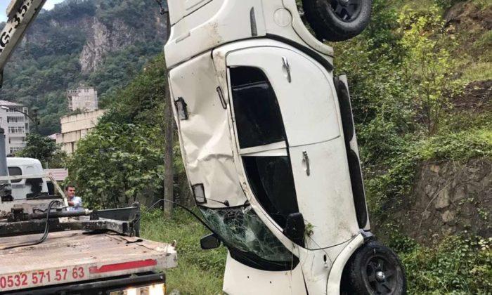 Dernekpazarı Çaykara yolunda trafik kazası