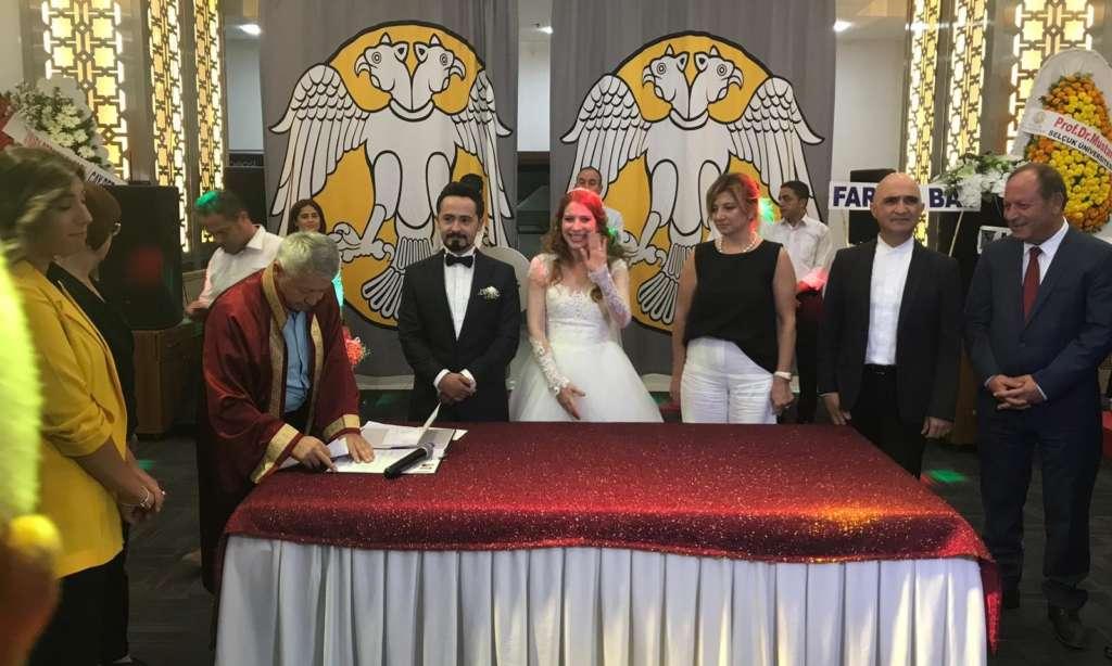 Prof Dr. Alaybey Karoğlu kızını evlendirdi 1