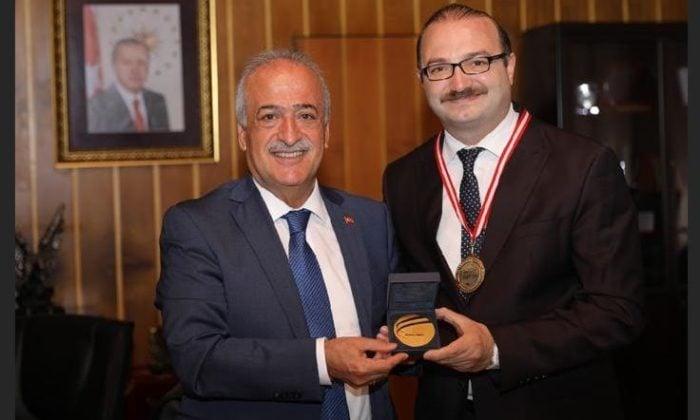 Ahmet Hoca'dan büyük başarı
