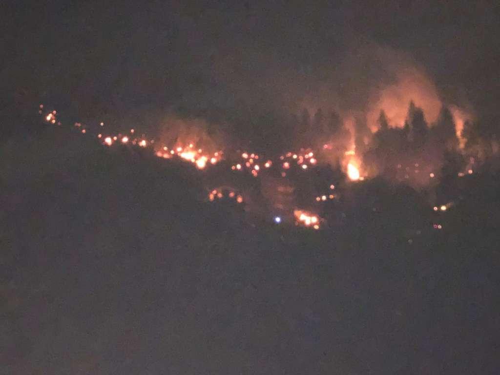 Ulucami mahallesinde yangın iki ev kül oldu 4