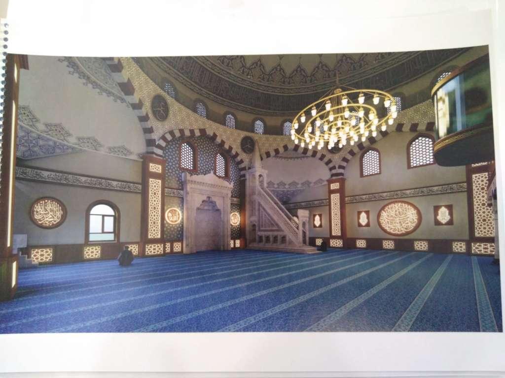 Çaykara Merkez Cami'nin onarımı devam ediyor 2
