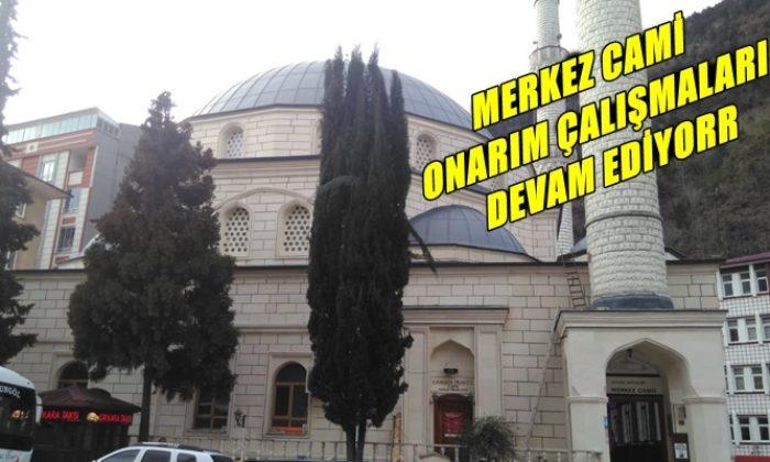 Çaykara Merkez Cami'nin onarımı devam ediyor