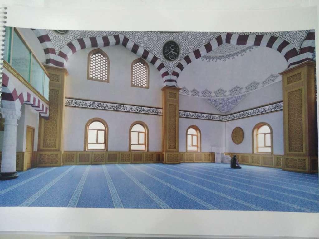 Çaykara Merkez Cami'nin onarımı devam ediyor 3
