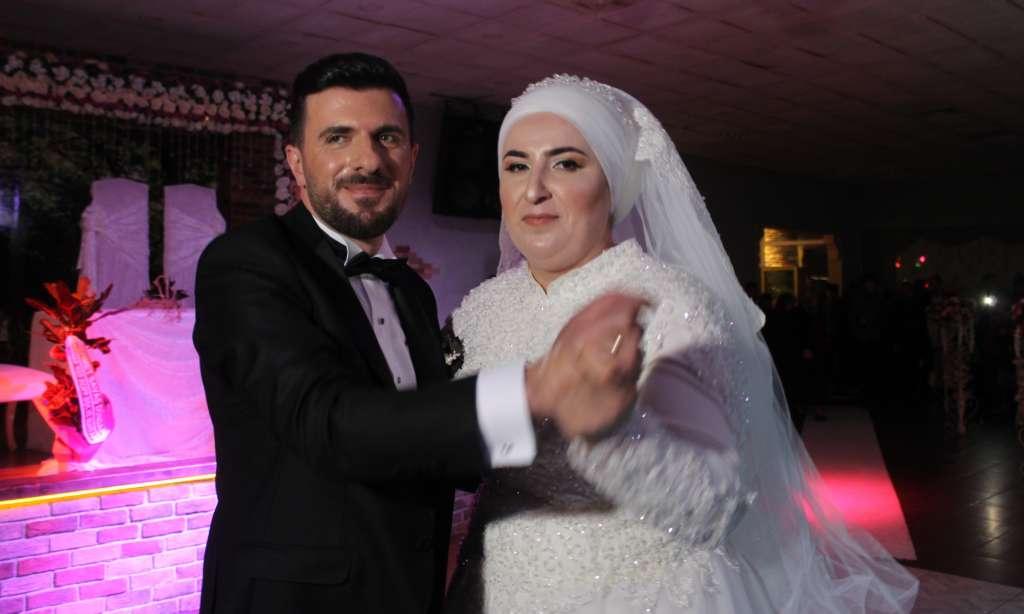 Derya ile Gökhan muhteşem düğün töreni ile hayatlarını birleştirdiler 4