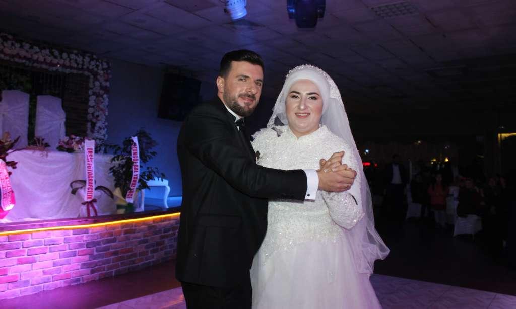 Derya ile Gökhan muhteşem düğün töreni ile hayatlarını birleştirdiler 5