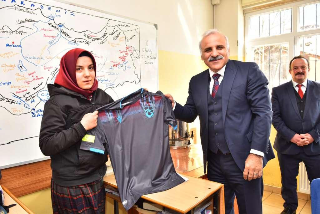 Başkan Zorluoğlu Çaykara'da incelemelerde bulundu 17