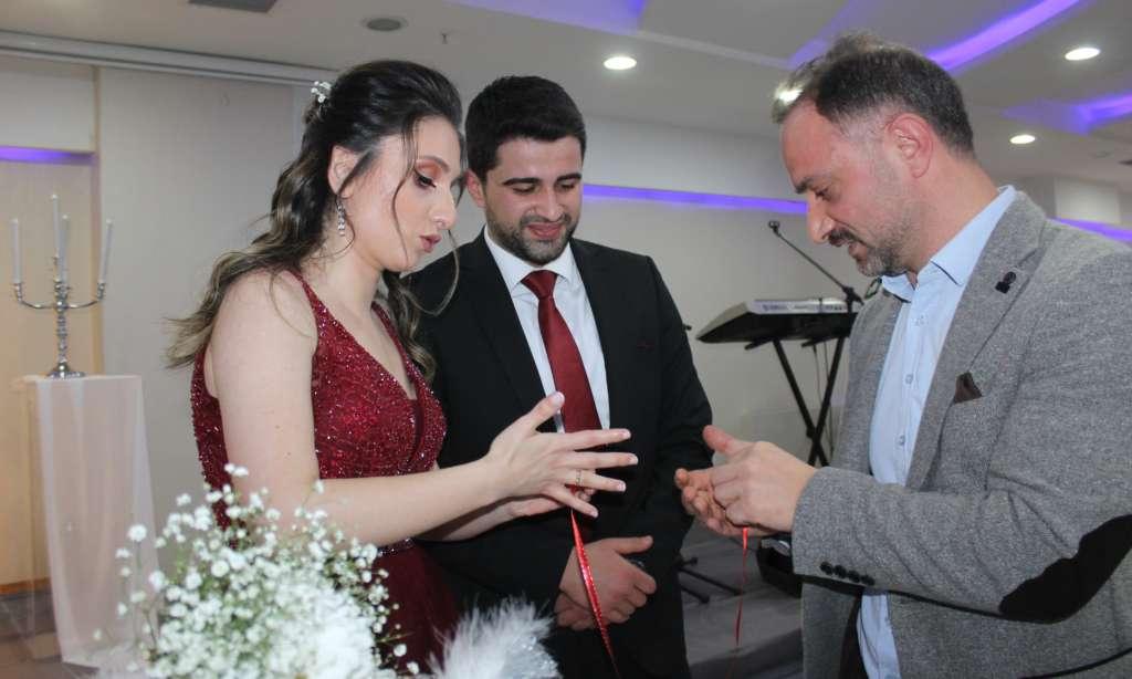 Zihni Ağırman kızı Aleyna'yı nişanladı 1