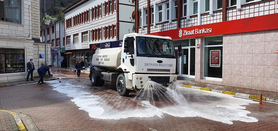 Çaykara'da Sokaklar Dezenfekte Edildi 4