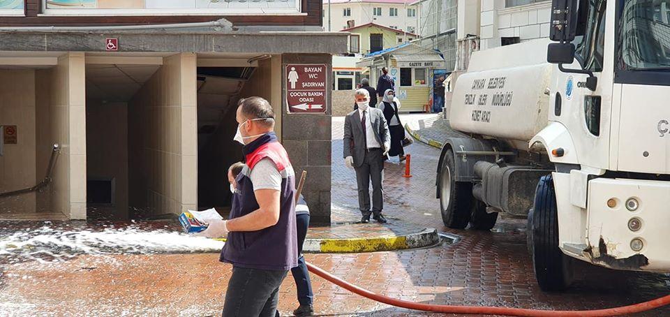 Çaykara'da Sokaklar Dezenfekte Edildi 5