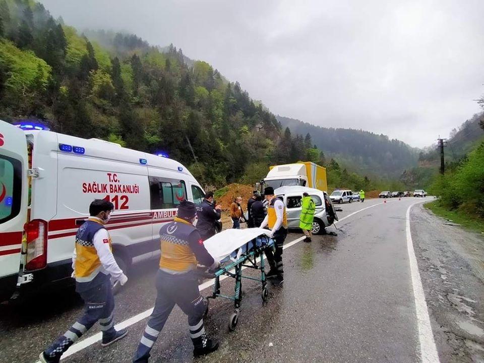Çaykara karayolunda Trafik kazasında bir kişi öldü 2