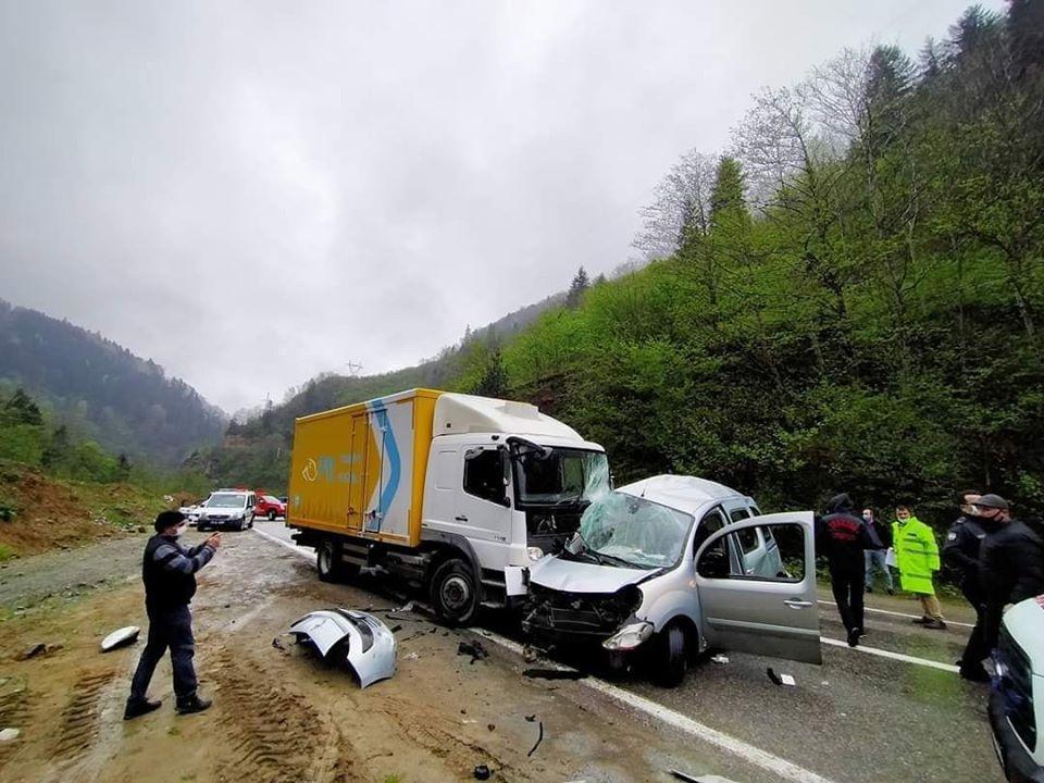 Çaykara karayolunda Trafik kazasında bir kişi öldü 5