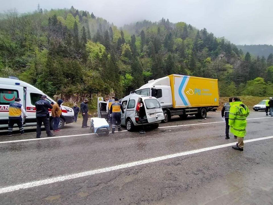 Çaykara karayolunda Trafik kazasında bir kişi öldü 6