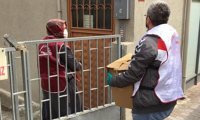 Çaykaralılar Derneği Ramazan ikram paketini ihtiyaç sahiplerine ulaştırdı 3