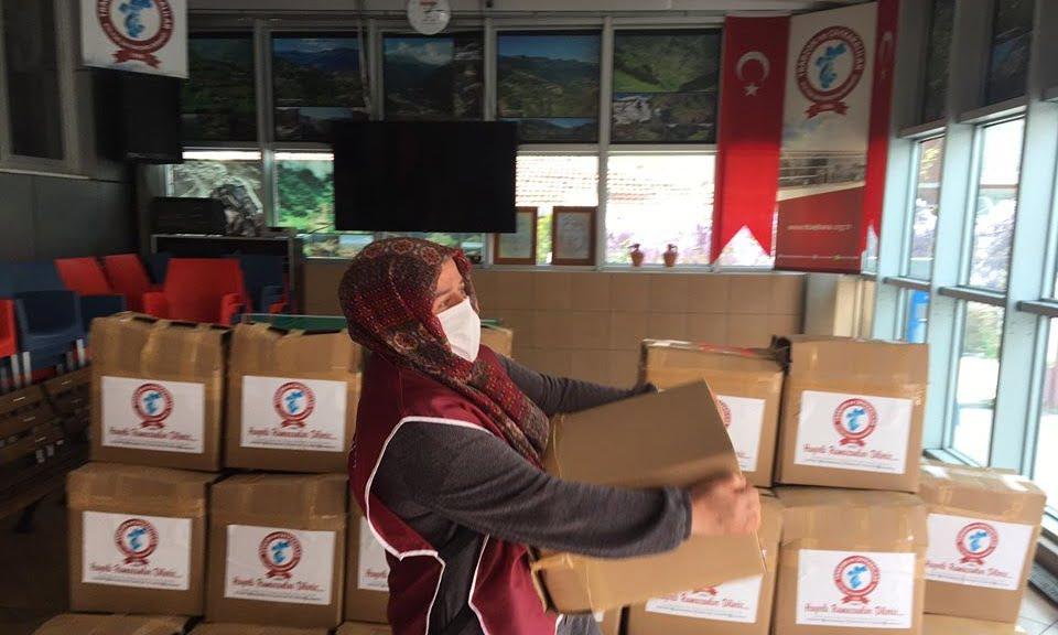 Çaykaralılar Derneği Ramazan ikram paketini ihtiyaç sahiplerine ulaştırdı 7