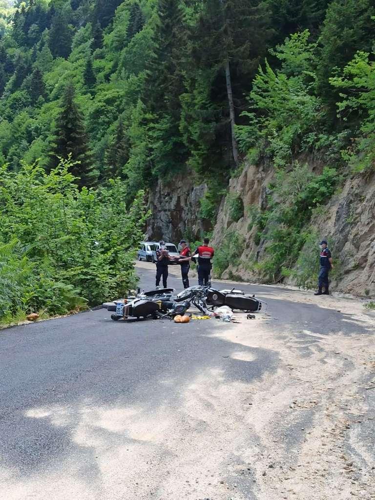 Çaykara'da iki motosiklet çarpıştı olayda bir kişi öldü 2