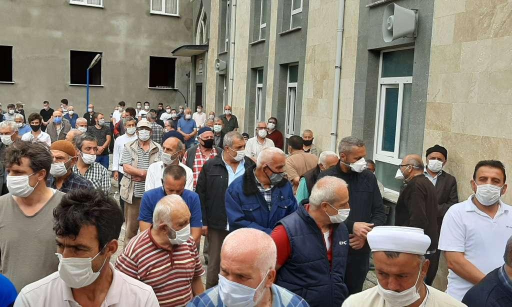 Mustafa Çelebi dualarla son yolculuğuna uğurlandı 3