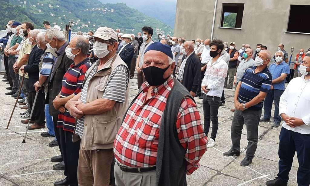 Mustafa Çelebi dualarla son yolculuğuna uğurlandı 4
