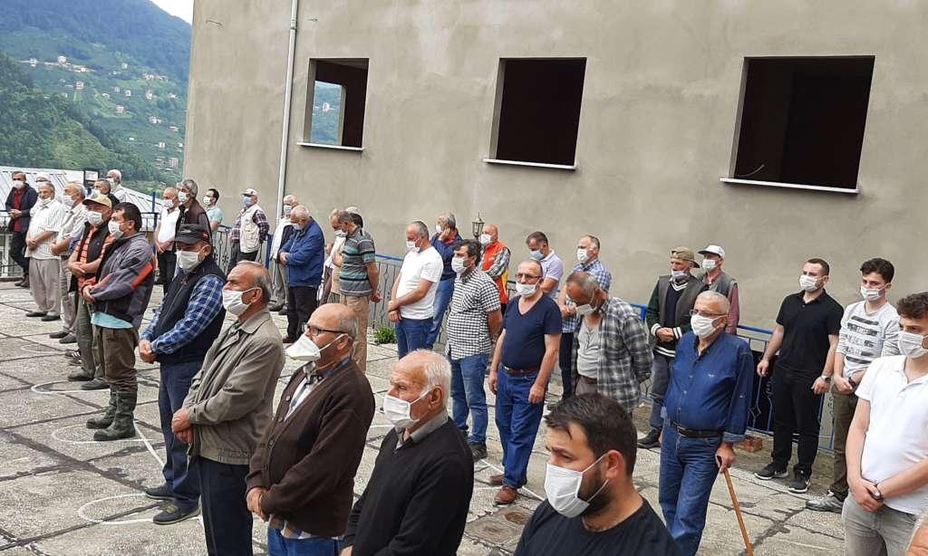 Mustafa Çelebi dualarla son yolculuğuna uğurlandı 5
