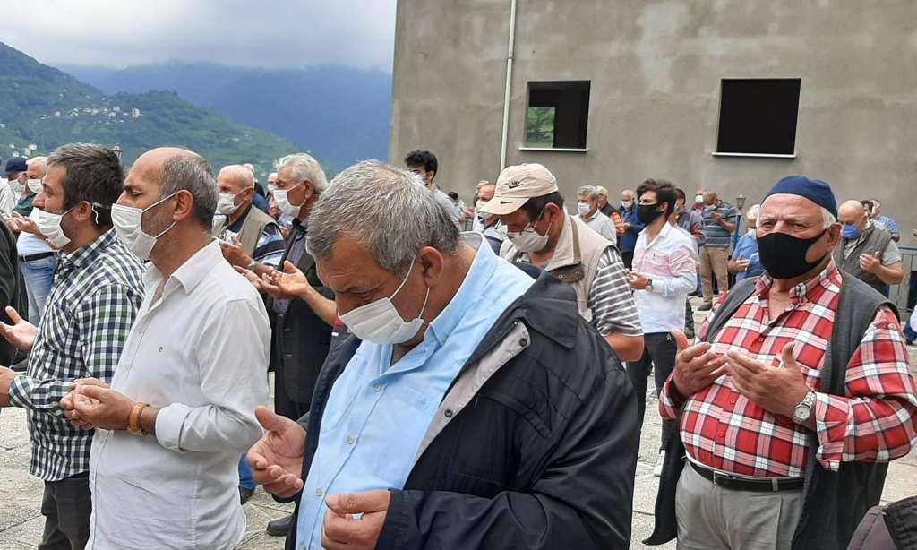 Mustafa Çelebi dualarla son yolculuğuna uğurlandı 7
