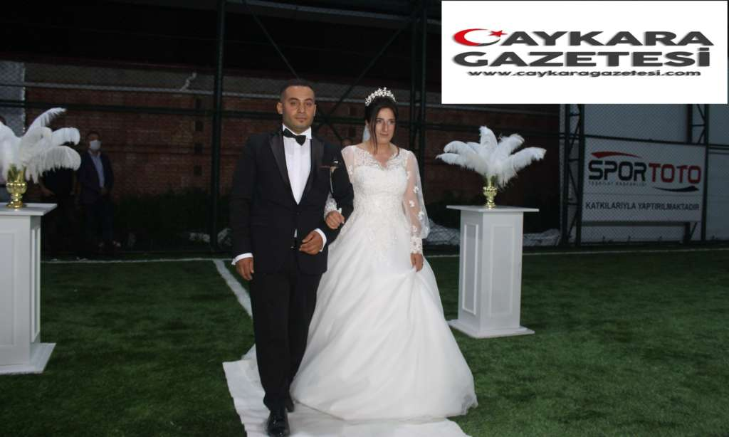 Ali Kemal Zeynep'ine kavuştu