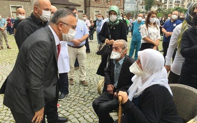Çaykaralı Ünlü Prof Dr. Turan Erdoğan dualarla son yolculuğuna uğurlandı 1