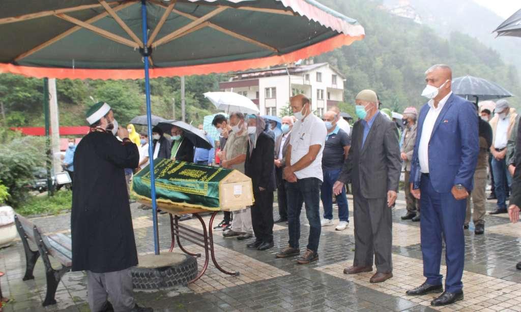 Çaykaralı Ünlü Prof Dr. Turan Erdoğan dualarla son yolculuğuna uğurlandı 14