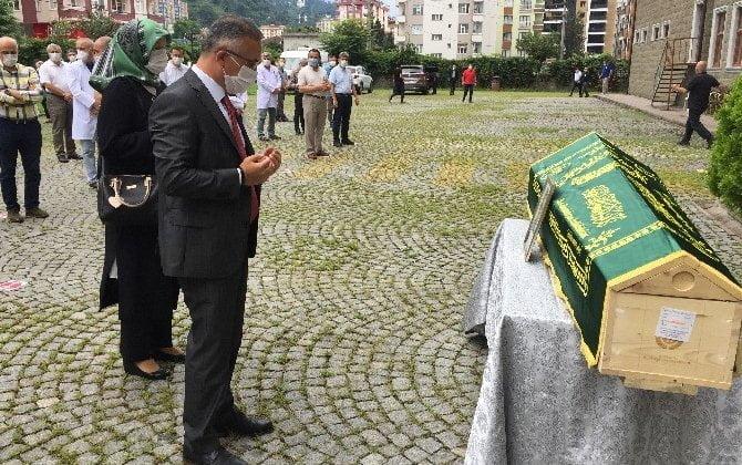 Çaykaralı Ünlü Prof Dr. Turan Erdoğan dualarla son yolculuğuna uğurlandı 5