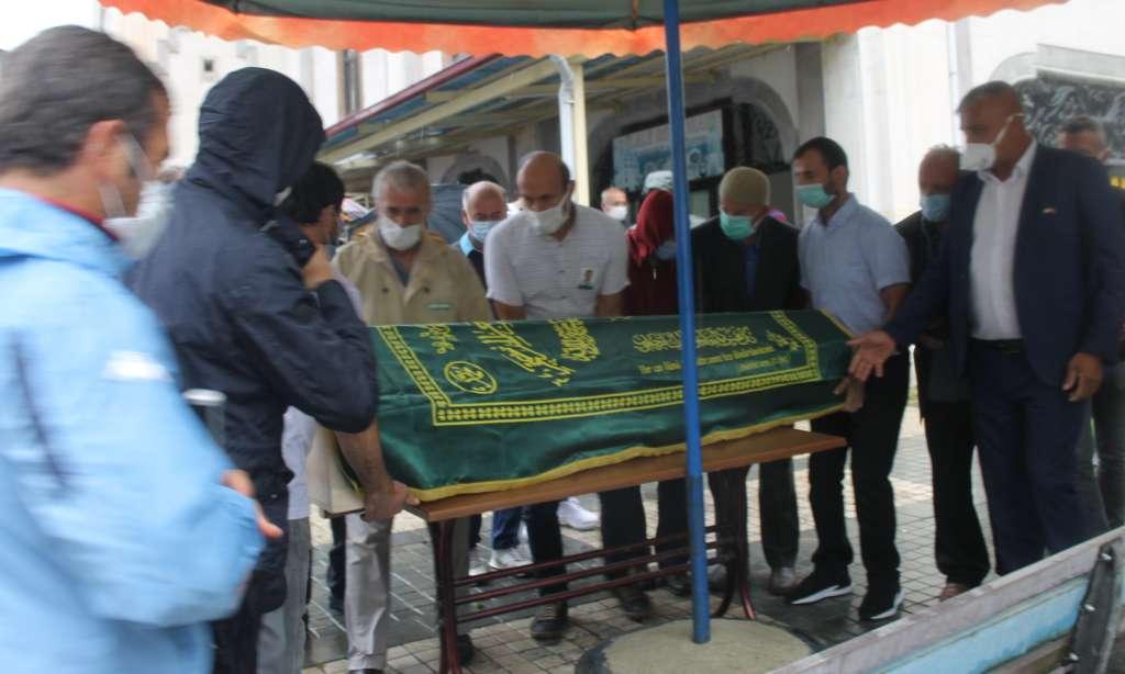 Çaykaralı Ünlü Prof Dr. Turan Erdoğan dualarla son yolculuğuna uğurlandı 7