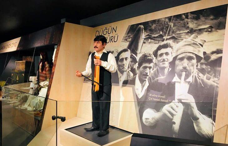 Bir yıl önce görkemli bir açılışa sahne olan müze yerli yabancı turistlerin ilgisini çekiyor 8