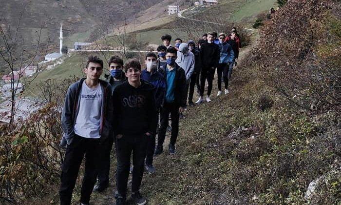 Çaykara'da yurtlarında kalan öğrencilere moral gezisi 2