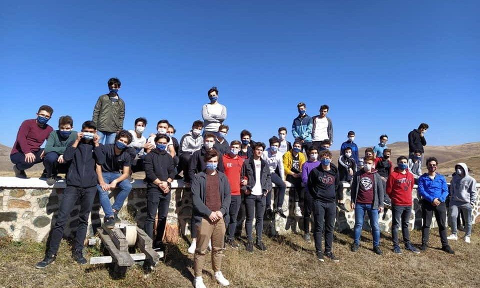 Çaykara'da yurtlarında kalan öğrencilere moral gezisi