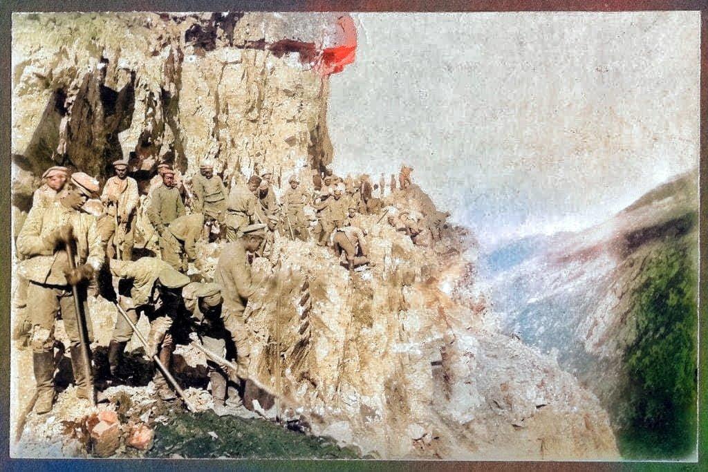 Derebaşı'nda 1916 tarihli yol çalışması fotoğrafı 2