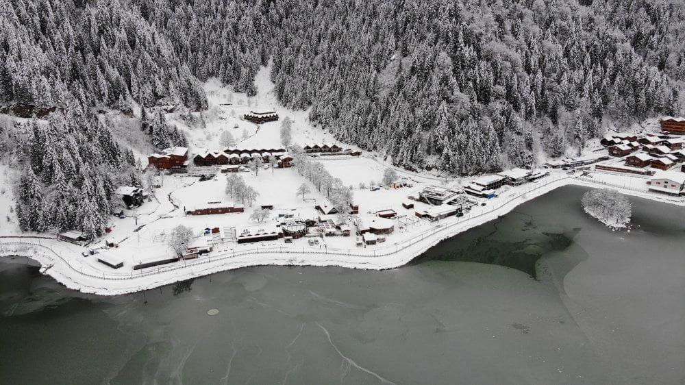 İlçemizin Mahallelerinden ve Uzungöl'den kar manzaraları 4