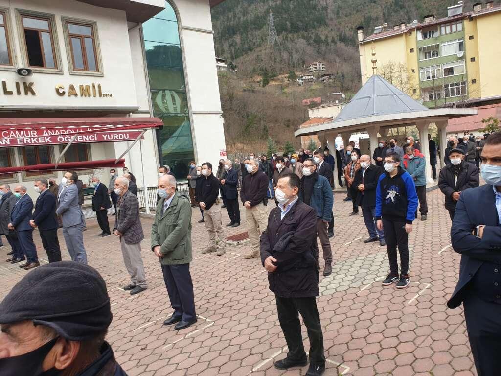 Emekli Öğretmen Mehmet Borazancı toprağa verildi 11